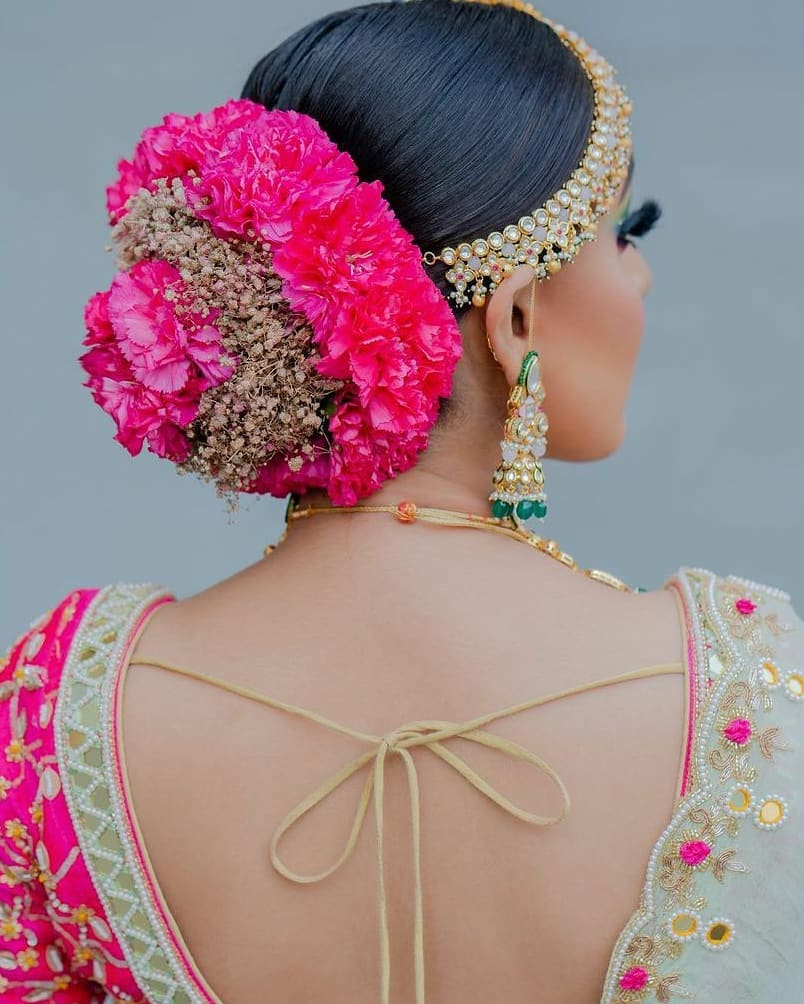 Let the Hydrangeas add more freshness to your floral bun!
